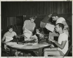 """Pristävlingen """"I dialog med Harry Martinson"""" riktar sig till ungdomar på skrivarutbildningar. Läs mera härintill."""