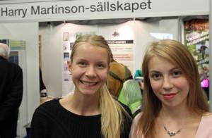 Anna Maria Zizanis och Julia Karlsson från Kungsbacka var Harry Martinson-sällskapets gäster på Bokmässan.