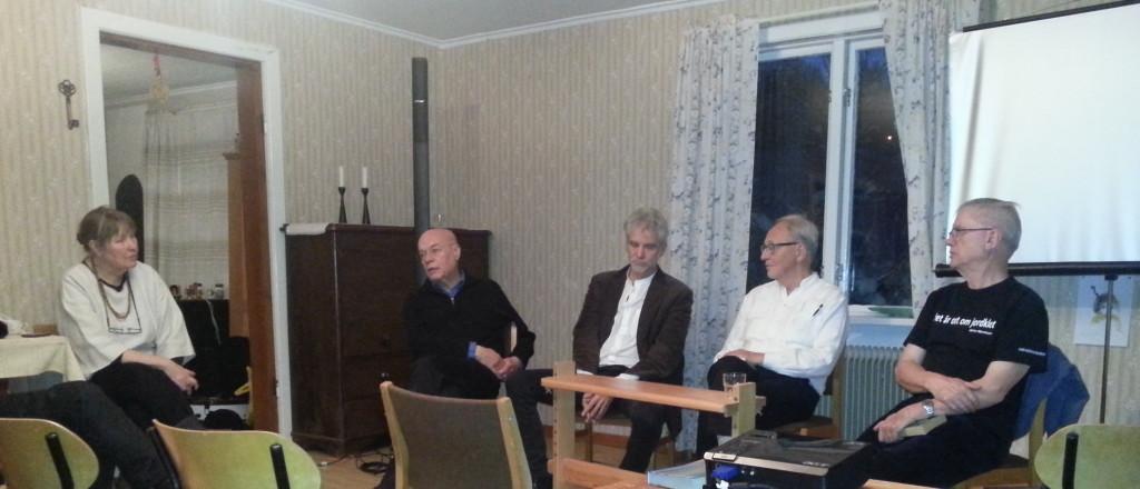 Avslutande och sammanfattande diskussion under ledning av Linnea Nylund (huvudansvarig för Nattfestivalen). Fr. v. Linnea, Karl-Olof Andersson, Martin Bagge, Gunnar Westberg, Åke Widfeldt.